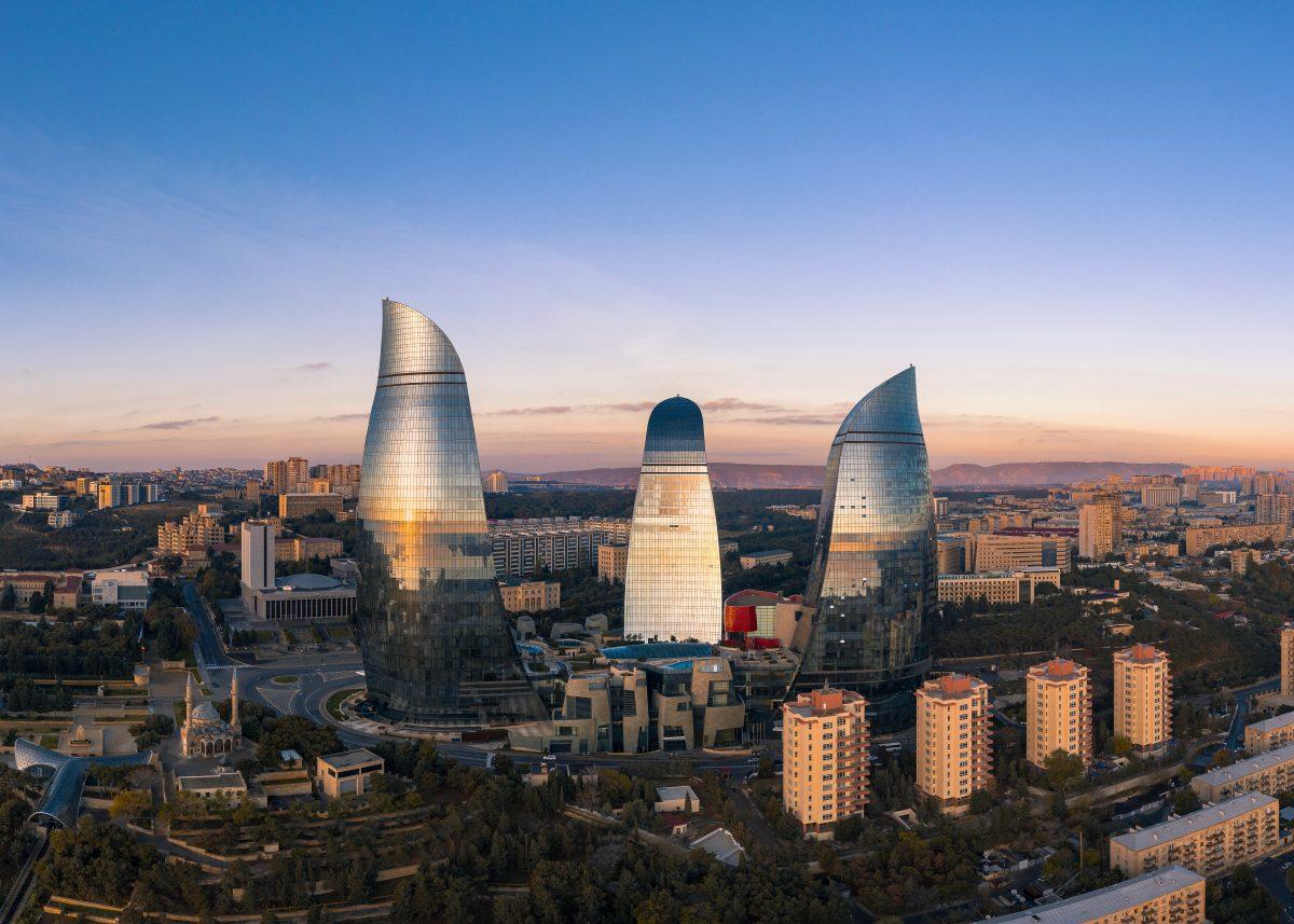 How should Azerbaijan digitalise its SMEs?